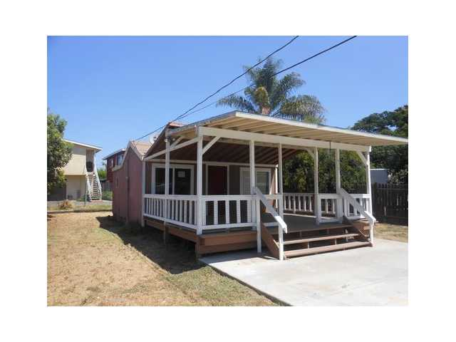 Main Photo: EAST ESCONDIDO House for sale : 1 bedrooms : 410 E Pennsylvania Avenue in Escondido