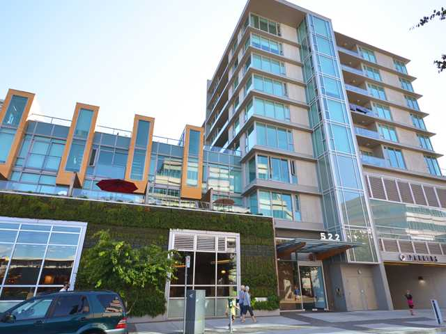"Main Photo: 701 522 W 8TH Avenue in Vancouver: Fairview VW Condo for sale in ""CROSSROADS"" (Vancouver West)  : MLS® # V969156"