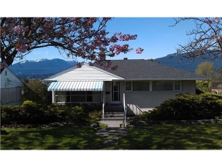 "Main Photo: 7057 SIERRA Drive in Burnaby: Westridge BN House for sale in ""WESTRIDGE"" (Burnaby North)  : MLS(r) # V1003096"