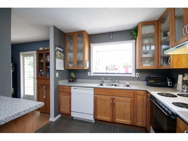 Photo 6: 26549 32ND AV in Langley: Aldergrove Langley House for sale : MLS(r) # F1413201