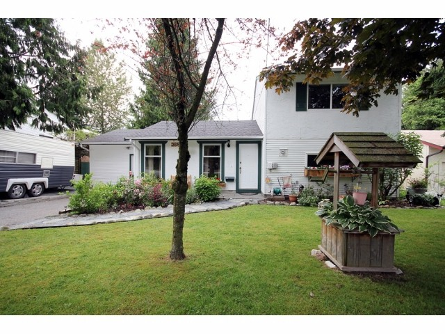 Main Photo: 26549 32ND AV in Langley: Aldergrove Langley House for sale : MLS® # F1413201