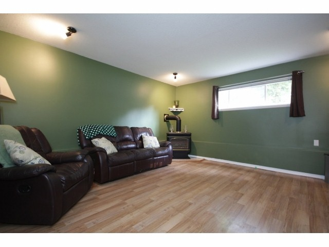 Photo 8: 26549 32ND AV in Langley: Aldergrove Langley House for sale : MLS(r) # F1413201