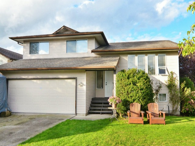 Main Photo: 21083 95A AV in Langley: Walnut Grove House for sale : MLS® # F1431151