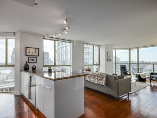 Main Photo: #1701 888 Pacific St in Vancouver: Yaletown Condo for sale (Vancouver West)  : MLS®# V1064959