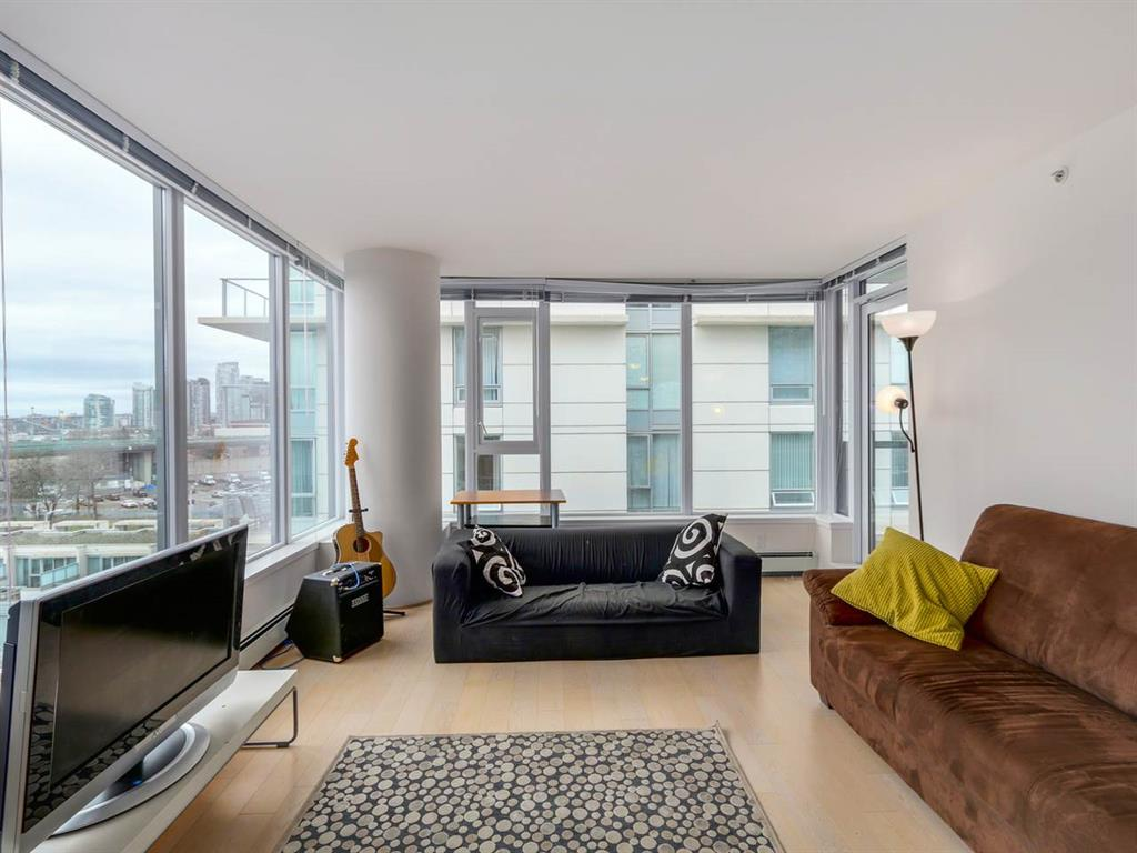 Photo 10: 802 1887 Crowe Street in Vancouver: False Creek Condo for sale (Vancouver West)  : MLS® # R2044450
