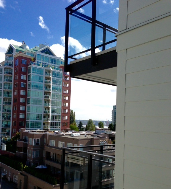 Photo 9: 415 111 E 3RD STREET in North Vancouver: Lower Lonsdale Condo for sale : MLS(r) # R2078516