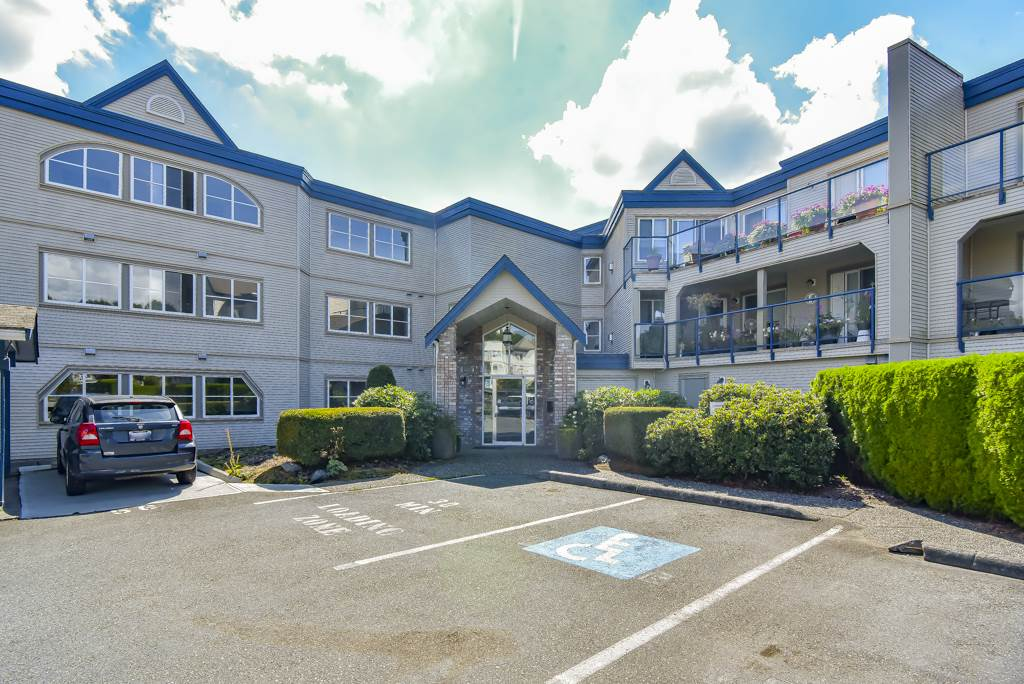 FEATURED LISTING: 305 - 45504 MCINTOSH Drive Chilliwack