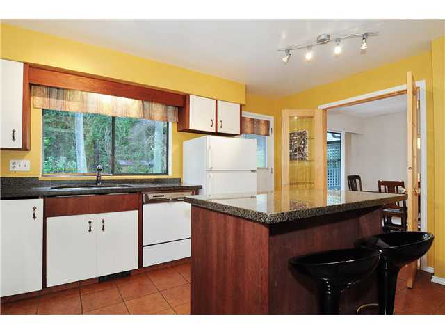 Photo 5: 611 BOURNEMOUTH Crescent in North Vancouver: Windsor Park NV House for sale : MLS(r) # V935406