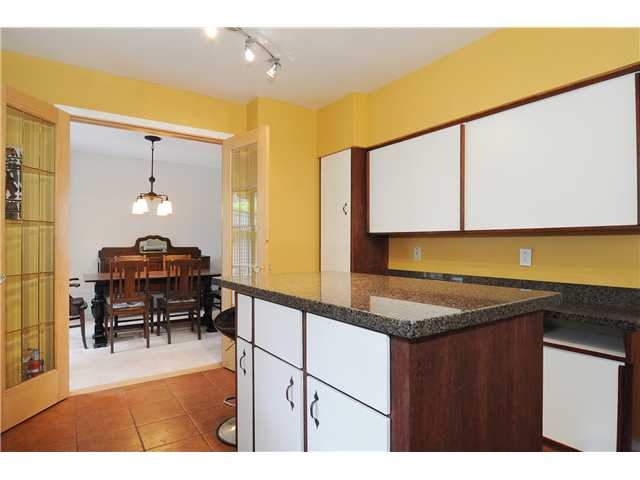 Photo 7: 611 BOURNEMOUTH Crescent in North Vancouver: Windsor Park NV House for sale : MLS(r) # V935406