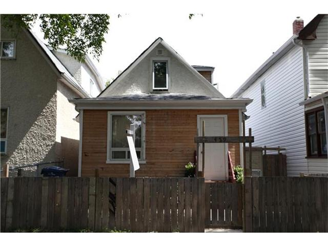 Main Photo: 459 Victor Street in WINNIPEG: West End / Wolseley Residential for sale (West Winnipeg)  : MLS®# 1215913