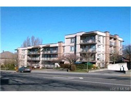 Main Photo: 408 2527 Quadra Street in VICTORIA: Vi Hillside Condo Apartment for sale (Victoria)  : MLS®# 230740