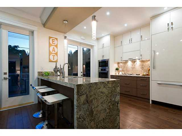 Photo 6: 4553 - 4555 BLENHEIM Street in Vancouver: Dunbar House for sale (Vancouver West)  : MLS® # V1082446