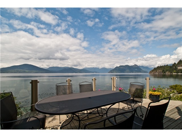 Main Photo: 55 BRUNSWICK BEACH RD: Lions Bay House for sale (West Vancouver)  : MLS® # V1088828