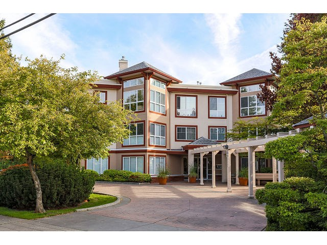 Main Photo: 308 15342 20 AVENUE in Surrey: King George Corridor Condo for sale (South Surrey White Rock)  : MLS®# R2005987