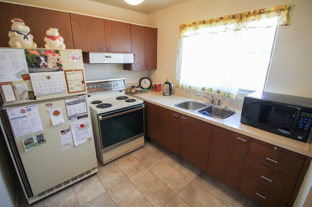 Photo 8: Best Deal In Transcona, Only $229,900