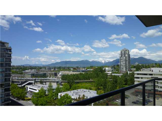 "Main Photo: 1206 4250 DAWSON Street in Burnaby: Brentwood Park Condo for sale in ""OMA 2"" (Burnaby North)  : MLS(r) # V952617"