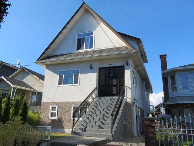 Main Photo: 1041 E 14TH Avenue in Vancouver: Mount Pleasant VE House for sale (Vancouver East)  : MLS(r) # V969142