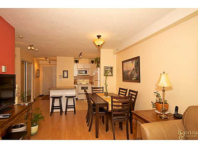 Photo 3: 619 528 ROCHESTER Avenue in Coquitlam: Coquitlam West Condo for sale : MLS(r) # V977674