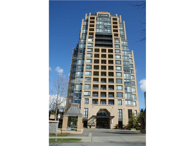 "Main Photo: 704 7368 SANDBORNE Avenue in Burnaby: South Slope Condo for sale in ""MAYFAIR PLACE"" (Burnaby South)  : MLS(r) # V994749"