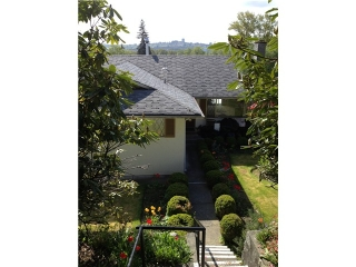 Main Photo: 1107 SHAVINGTON Street in North Vancouver: Calverhall House for sale : MLS(r) # V1004384