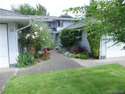 Main Photo: 12 5110 Cordova Bay Road in VICTORIA: SE Cordova Bay Townhouse for sale (Saanich East)  : MLS®# 325652
