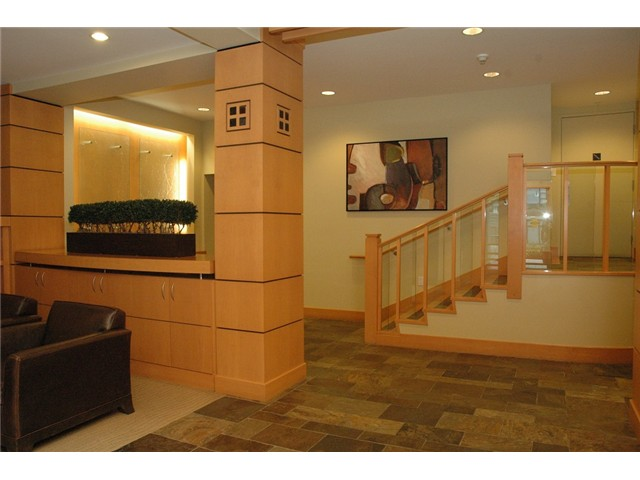 Photo 3: # 313 2263 REDBUD LN in Vancouver: Kitsilano Condo for sale (Vancouver West)  : MLS(r) # V1026120