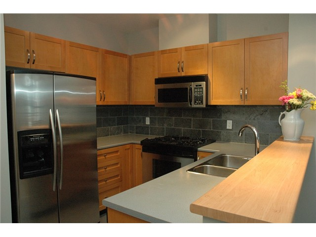 Photo 7: # 313 2263 REDBUD LN in Vancouver: Kitsilano Condo for sale (Vancouver West)  : MLS(r) # V1026120