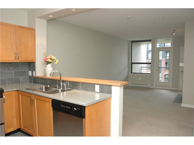 Photo 8: # 313 2263 REDBUD LN in Vancouver: Kitsilano Condo for sale (Vancouver West)  : MLS(r) # V1026120