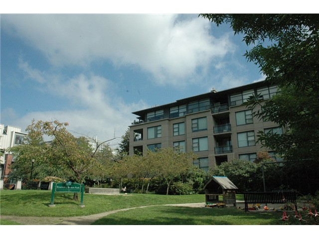 Photo 14: # 313 2263 REDBUD LN in Vancouver: Kitsilano Condo for sale (Vancouver West)  : MLS(r) # V1026120
