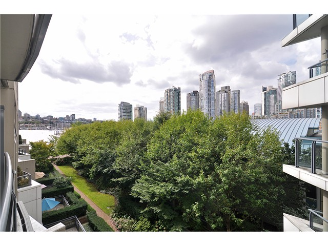 Photo 3: # 512 1383 MARINASIDE CR in Vancouver: Yaletown Condo for sale (Vancouver West)  : MLS® # V1028722