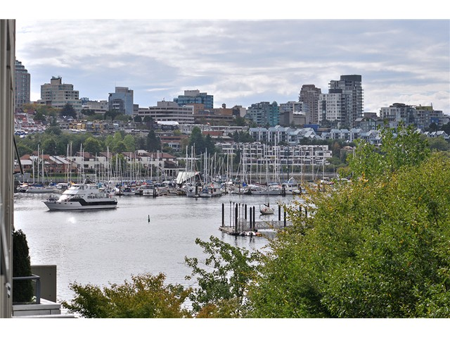 Main Photo: # 512 1383 MARINASIDE CR in Vancouver: Yaletown Condo for sale (Vancouver West)  : MLS® # V1028722