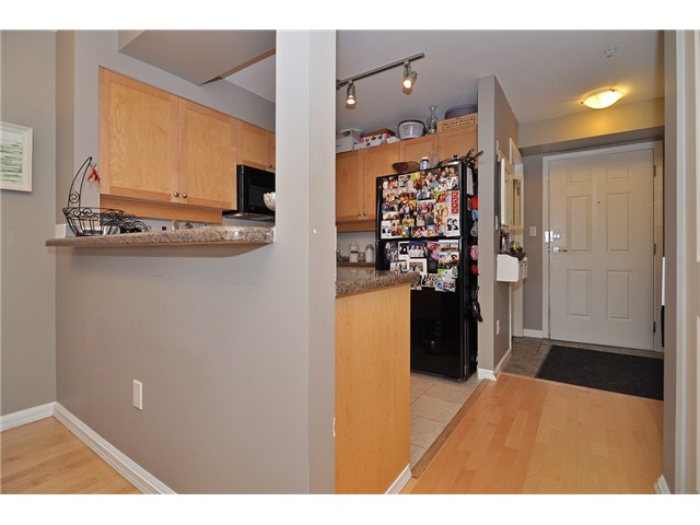 Photo 17: # 303 997 W 22ND AV in Vancouver: Cambie Condo for sale (Vancouver West)  : MLS® # V1033102