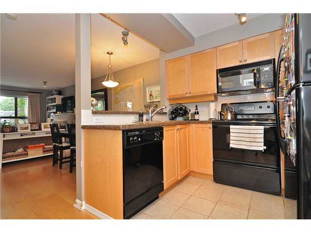 Photo 5: # 303 997 W 22ND AV in Vancouver: Cambie Condo for sale (Vancouver West)  : MLS® # V1033102