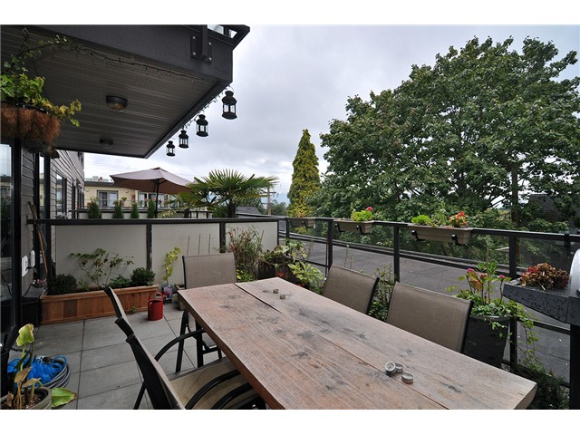 Photo 18: # 303 997 W 22ND AV in Vancouver: Cambie Condo for sale (Vancouver West)  : MLS® # V1033102