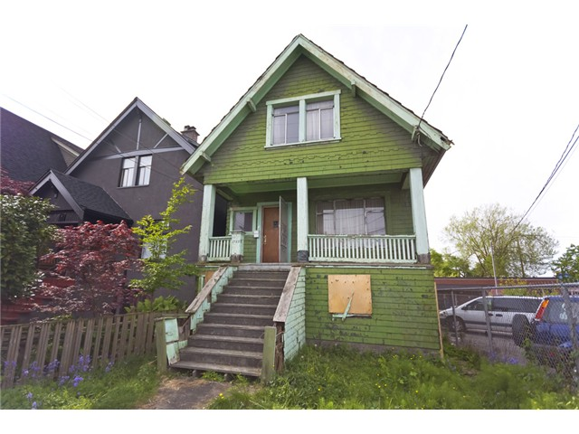 Main Photo: 1722 E 5th Avenue in Vancouver: Grandview VE House for sale (Vancouver East)  : MLS(r) # V1120288
