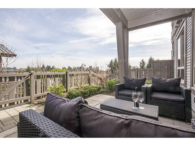 Photo 7: 111 3110 DAYANEE SPRINGS Boulevard in Coquitlam: Westwood Plateau Condo for sale : MLS® # V998476