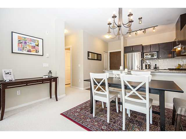 Photo 2: 111 3110 DAYANEE SPRINGS Boulevard in Coquitlam: Westwood Plateau Condo for sale : MLS® # V998476