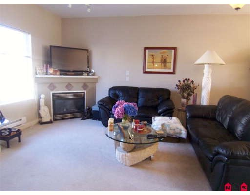 Main Photo: 26 18181 68 Avenue: Cloverdale Condo for sale : MLS® # F2821722