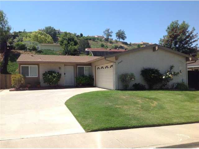 Main Photo: EAST ESCONDIDO House for sale : 3 bedrooms : 2929 Roseann Avenue in Escondido