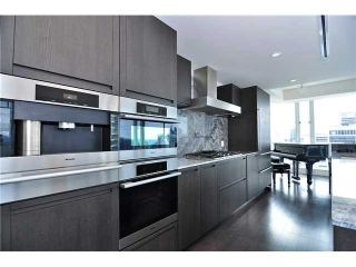Main Photo: 3905 1011 W CORDOVA STREET in Vancouver: Coal Harbour Condo for sale (Vancouver West)  : MLS(r) # V1127981
