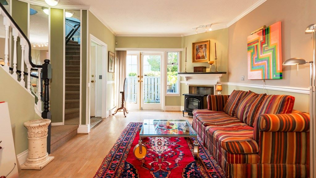 Photo 2: 3115 PINE STREET in Vancouver: Fairview VW Townhouse for sale (Vancouver West)  : MLS® # R2059351