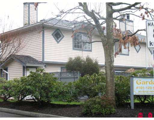 "Photo 3: 5360 201ST Street in Langley: Langley City Townhouse for sale in ""Garden Grove"" : MLS(r) # F2625710"