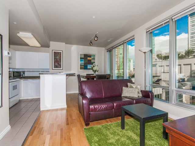 "Main Photo: 413 989 NELSON Street in Vancouver: Downtown VW Condo for sale in ""THE ELECTRA"" (Vancouver West)  : MLS® # V971260"