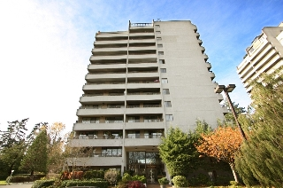 "Main Photo: 1602 4194 MAYWOOD Street in Burnaby: Metrotown Condo for sale in ""PARK AVENUE TOWERS"" (Burnaby South)  : MLS(r) # V984684"