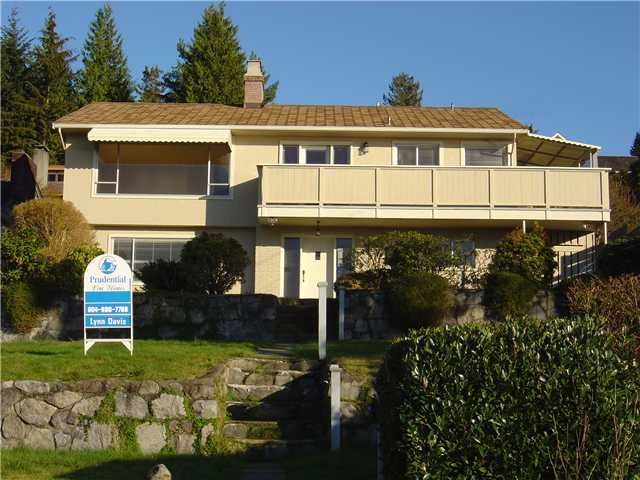 Main Photo: 992 BRAESIDE Street in West Vancouver: Sentinel Hill Home for sale ()  : MLS® # V842296