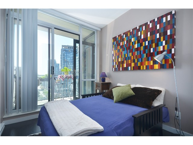 "Photo 7: PH2 1082 SEYMOUR Street in Vancouver: Downtown VW Condo for sale in ""FREESIA"" (Vancouver West)  : MLS(r) # V1019456"