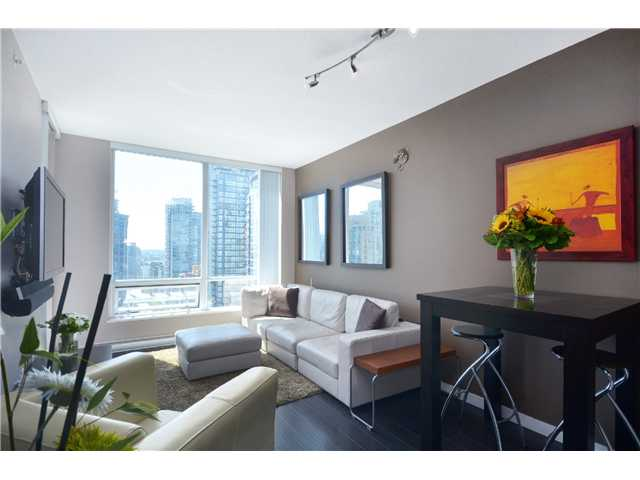 "Photo 2: PH2 1082 SEYMOUR Street in Vancouver: Downtown VW Condo for sale in ""FREESIA"" (Vancouver West)  : MLS(r) # V1019456"