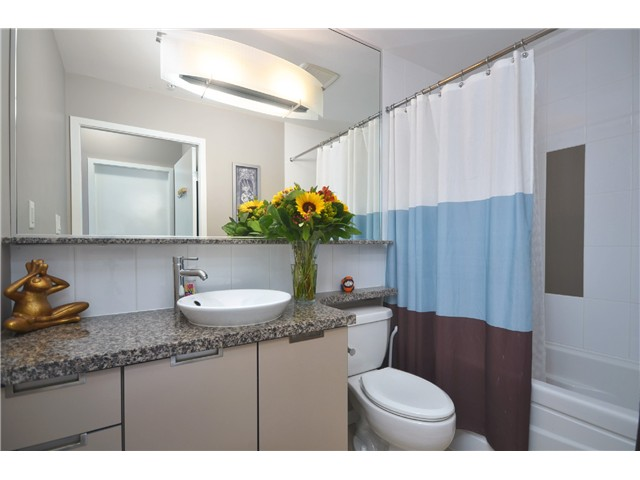 "Photo 10: PH2 1082 SEYMOUR Street in Vancouver: Downtown VW Condo for sale in ""FREESIA"" (Vancouver West)  : MLS(r) # V1019456"