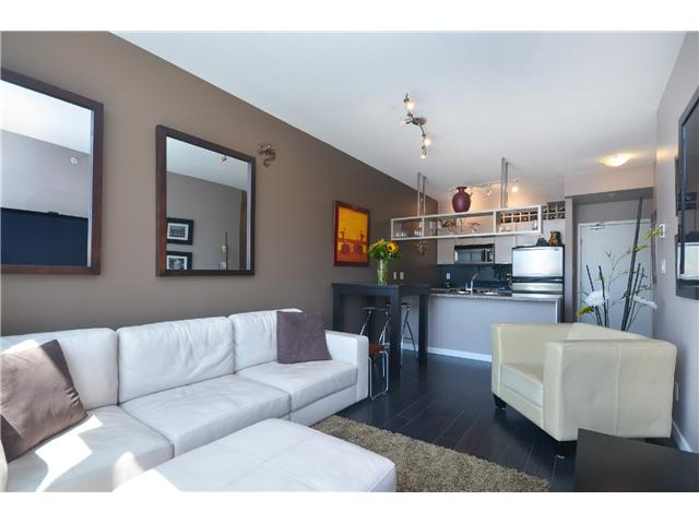 "Main Photo: PH2 1082 SEYMOUR Street in Vancouver: Downtown VW Condo for sale in ""FREESIA"" (Vancouver West)  : MLS(r) # V1019456"