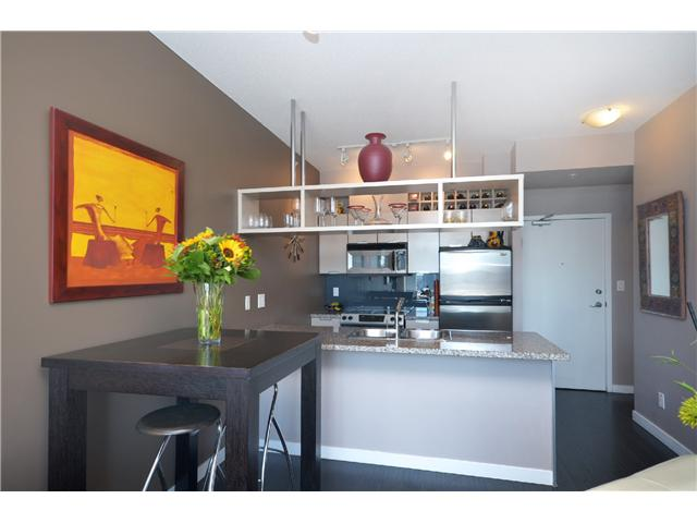 "Photo 4: PH2 1082 SEYMOUR Street in Vancouver: Downtown VW Condo for sale in ""FREESIA"" (Vancouver West)  : MLS(r) # V1019456"